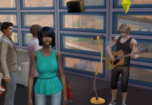 服装はミスりましたが、ちょっと彼女にいい所を見せないとね。マイクもあるし一曲歌いますか。・・・つーかあの女!見てねーし!