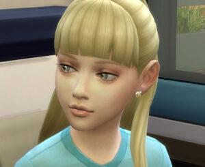 エリ子の擬態ですが、頑張って美少女に編集したつもりです。・・・ええ、もうシグザム星に帰すつもりはありませんよー。